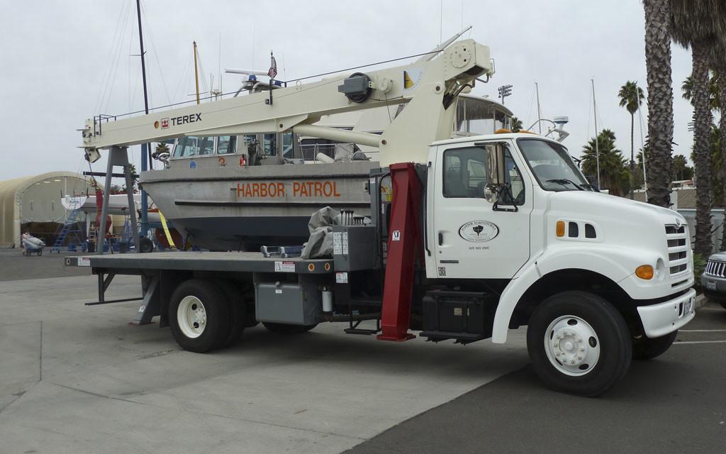 Santa-Barbara-Hydro-Crane-Harbor-MarineWorks